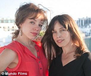 The Farm Mundo sisters